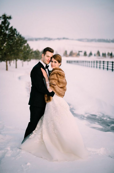 Bride and Groom in Snow at Spruce Mountain Ranch | Table 6 Productions | Denver Colorado